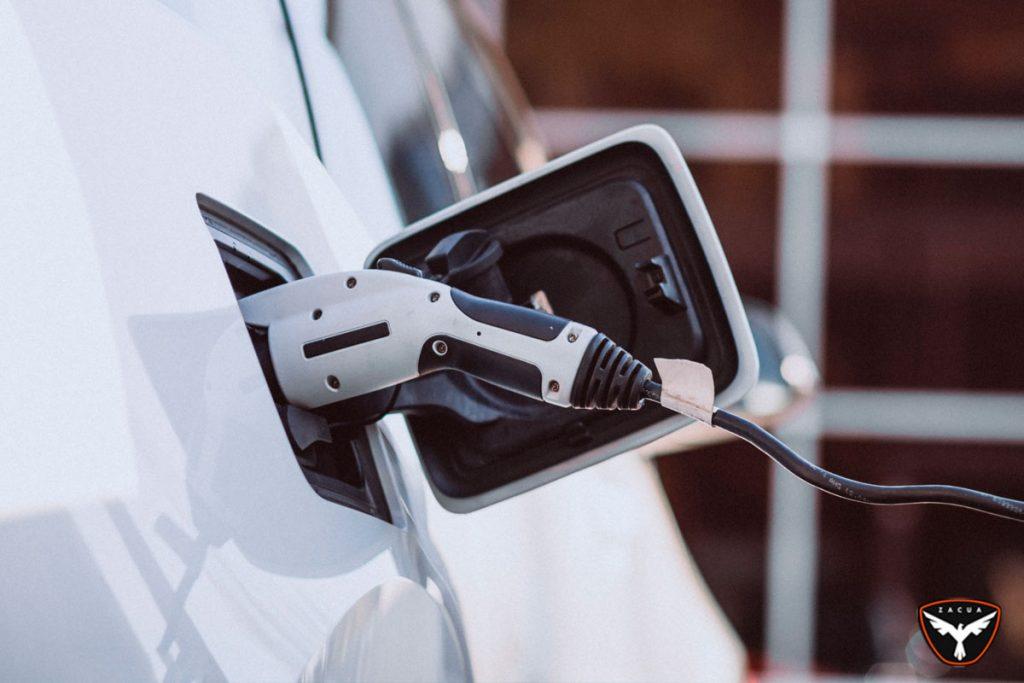 Diferencia motores eléctricos, Zacua auto eléctrico mexicano